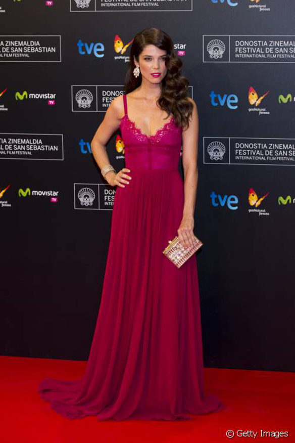 15-colgadas-de-una-percha-the-style-of-el-estilo-de-juana-acosta-inspiracion-inspiration-looks-alfombra-roja-red-carpet-outfits-invitada-de-boda-wedding-guest-4