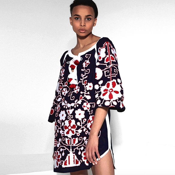 15-colgadas-de-una-percha-closet-must-march-11-vestidos-bordados-tunicas-blusas-embroidery-dress-tunic-blouse-11