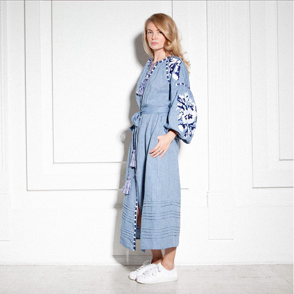 15-colgadas-de-una-percha-closet-must-march-11-vestidos-bordados-tunicas-blusas-embroidery-dress-tunic-blouse-4