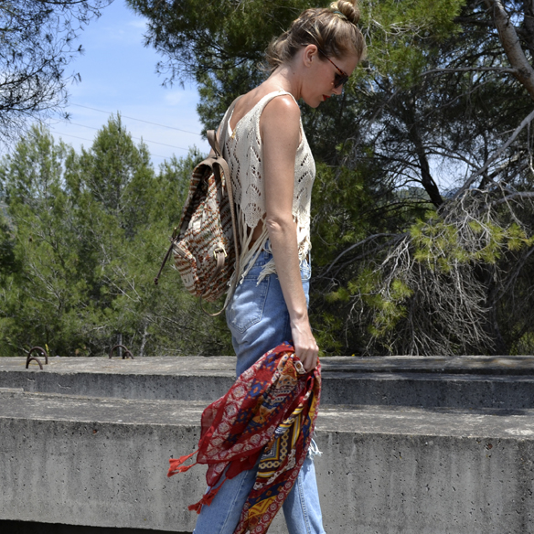 15-colgadas-de-una-percha-kaftan-boyfriends-crop-top-mochila-backpack-georgina-carreras-barcelona-gina-carreras-5