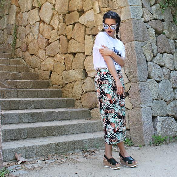 15-colgadas-de-una-percha-palmeras-palm-trees-culottes-gafas-de-sol-sunnies-trenzas-braids-sandalias-sandals-blanche-7