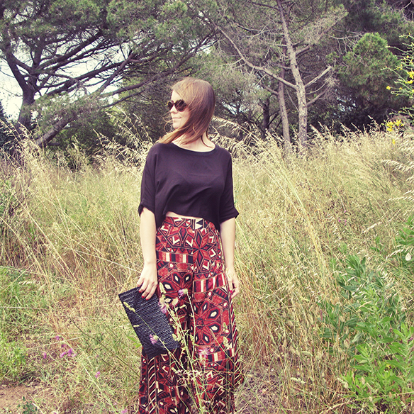15-colgadas-de-una-percha-san-juan-saint-johns-eve-print-palazzo-pants-estampados-crop-top-carla-kissler-8