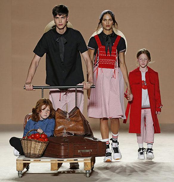15-colgadas-de-una-percha-080-bcn-fashion-ss-17-moda-barcelona-carlota-oms-1