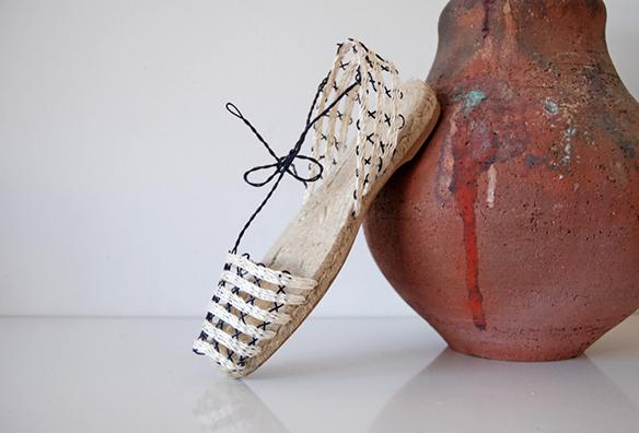15-colgadas-de-una-percha-closet-must-ball-pages-alpargatas-espardenyes-espardeñas-zapatos-de-esparto-verano-summer-espadrilles-13