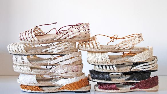 15-colgadas-de-una-percha-closet-must-ball-pages-alpargatas-espardenyes-espardeñas-zapatos-de-esparto-verano-summer-espadrilles-15