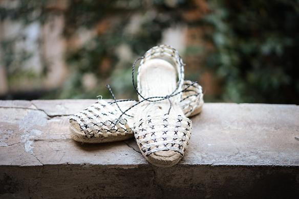 15-colgadas-de-una-percha-closet-must-ball-pages-alpargatas-espardenyes-espardeñas-zapatos-de-esparto-verano-summer-espadrilles-6