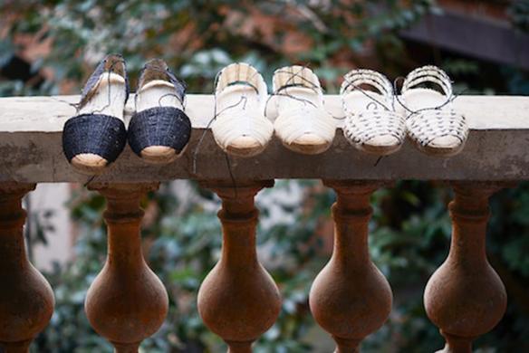 15-colgadas-de-una-percha-closet-must-ball-pages-alpargatas-espardenyes-espardeñas-zapatos-de-esparto-verano-summer-espadrilles-7