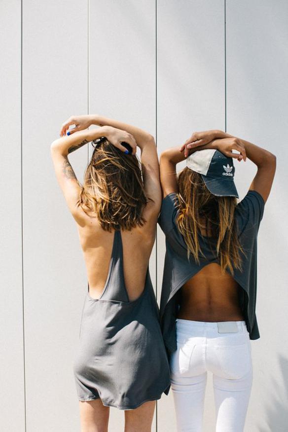 15-colgadas-de-una-percha-peinados-verano-summer-hairstyles-melena-midi-long-bob-mane-1
