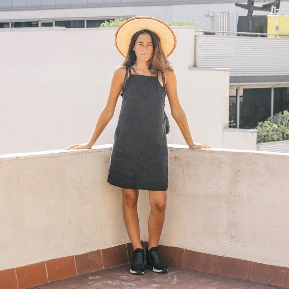 15-colgadas-de-una-percha-vestido-dress-mapache-by-dark-green-sombrero-hat-mochila-backpack-bebofi-1