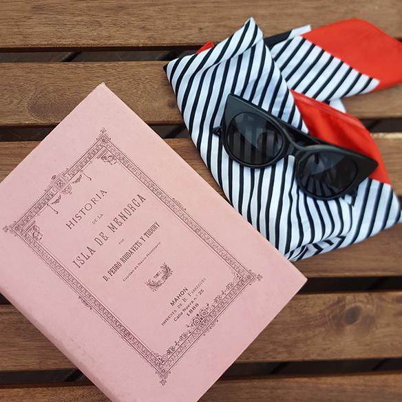15-colgadas-de-una-percha-alicia-alvarez-vestido-lencero-lingerie-dress-lenceria-pañuelo-en-la-cabeza-head-scarf-8
