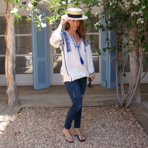 15-colgadas-de-una-percha-marta-r-embroided-cotton-dress-vestido-bordado-jeans-tejanos-flip-flops-canotier-9