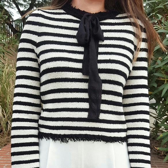 15-colgadas-de-una-percha-alicia-alvarez-estilo-marinero-navy-style-coco-chanel-rayas-stripes-blanco-y-negro-black-and-white-4