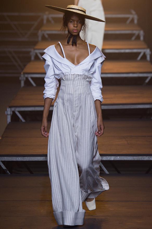 15-colgadas-de-una-percha-jacquemus-ss-17-pv-2017-paris-fashion-week-pfw-11