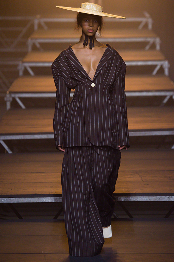 15-colgadas-de-una-percha-jacquemus-ss-17-pv-2017-paris-fashion-week-pfw-13