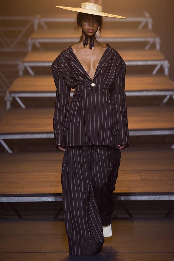 15-colgadas-de-una-percha-jacquemus-ss-17-pv-2017-paris-fashion-week-pfw-13