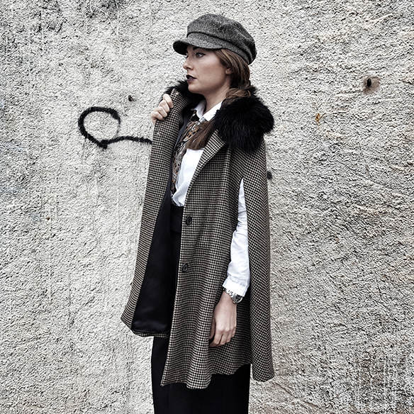 15-colgadas-de-una-percha-alicia-alvarez-garcon-garconne-capa-cape-vintage-palazzo-pants-boina-beret-tweed-2