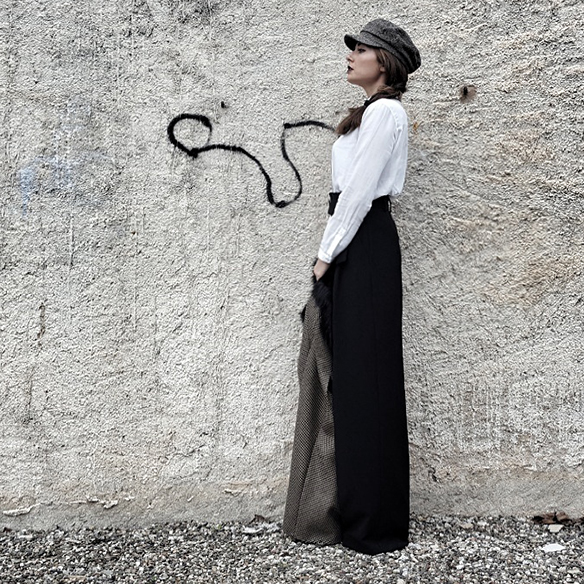 15-colgadas-de-una-percha-alicia-alvarez-garcon-garconne-capa-cape-vintage-palazzo-pants-boina-beret-tweed-8