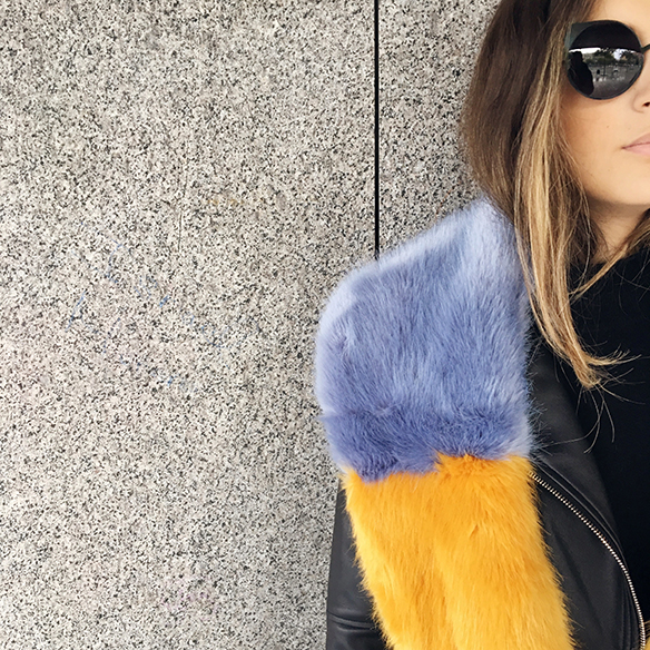 15-colgadas-de-una-percha-anna-duarte-estola-de-pelo-fur-stole-chaqueta-perfecto-jacket-total-black-3
