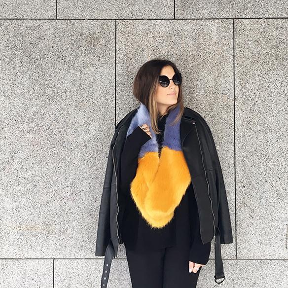 15-colgadas-de-una-percha-anna-duarte-estola-de-pelo-fur-stole-chaqueta-perfecto-jacket-total-black-8