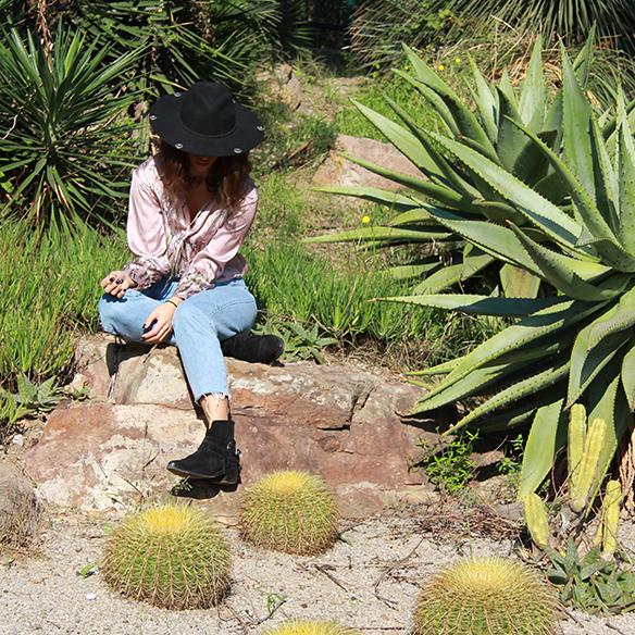 15-colgadas-de-una-percha-blanche-body-jeans-sombrero-hat-booties-botines-5