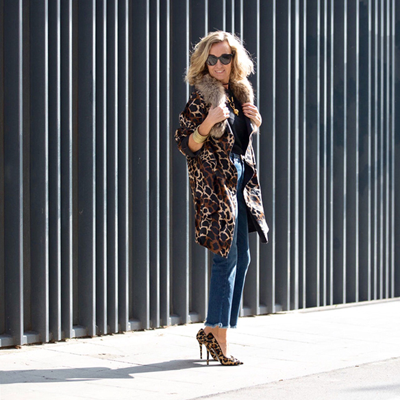 15-colgadas-de-una-percha-maica-jau-abrigo-leopardo-leopard-coat-animal-print-shoes-zapatos-fur-pelos-9