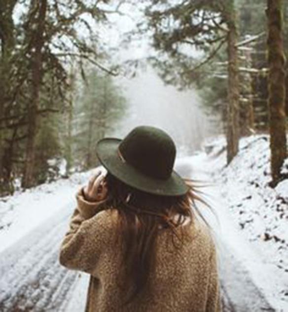 15-colgadas-de-una-percha-december-mood-board-diciembre-inspo-inspiracion-inspiration-1