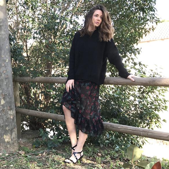 15-colgadas-de-una-percha-alicia-alvarez-vestido-flores-translucido-translucent-floral-dress-jumper-jersey-sandals-sandalias-1