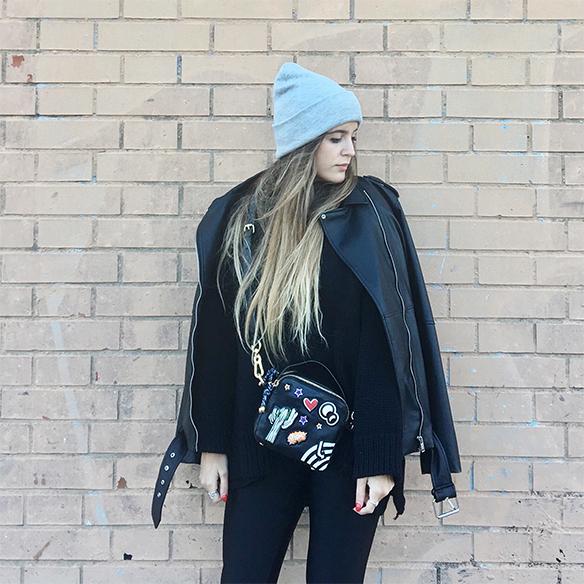 15-colgadas-de-una-percha-anna-duarte-chaqueta-perfecto-jacket-cuero-leather-gorro-beanie-bolso-dibujos-drawing-handbag-1