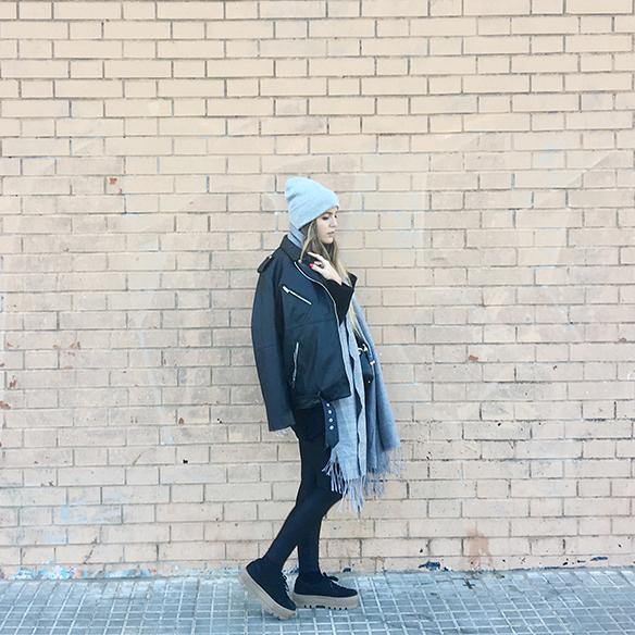 15-colgadas-de-una-percha-anna-duarte-chaqueta-perfecto-jacket-cuero-leather-gorro-beanie-bolso-dibujos-drawing-handbag-4