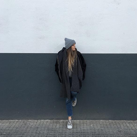 15-colgadas-de-una-percha-anna-duarte-gris-grey-gorro-cap-bufanda-scarf-lana-wool-jersey-xl-jumper-3