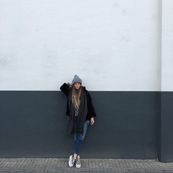 15-colgadas-de-una-percha-anna-duarte-gris-grey-gorro-cap-bufanda-scarf-lana-wool-jersey-xl-jumper-9
