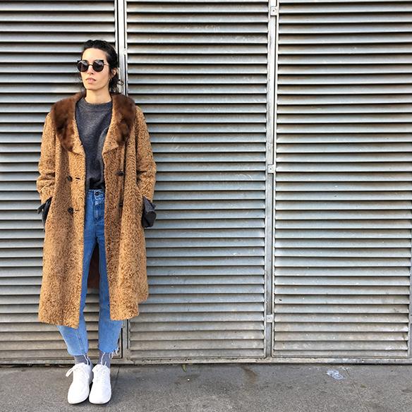 15-colgadas-de-una-percha-blanche-abrigo-vintage-coat-jeans-bambas-trainers-1
