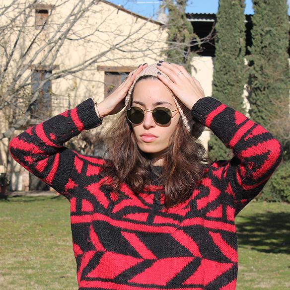 15-colgadas-de-una-percha-blanche-gorro-beanie-jeans-jersey-rojo-negro-red-black-jumper-7