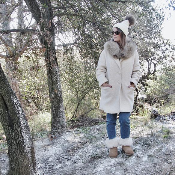 15-colgadas-de-una-percha-carla-kissler-white-teddy-coat-blanco-gorro-cap-estola-pelo-fur-stole-botas-uggs-booties-tretze-sabates-treze-1