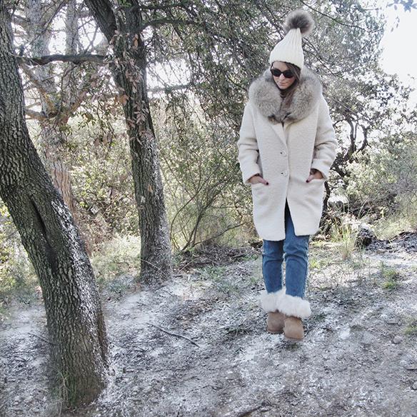 15-colgadas-de-una-percha-carla-kissler-white-teddy-coat-blanco-gorro-cap-estola-pelo-fur-stole-botas-uggs-booties-tretze-sabates-treze-10