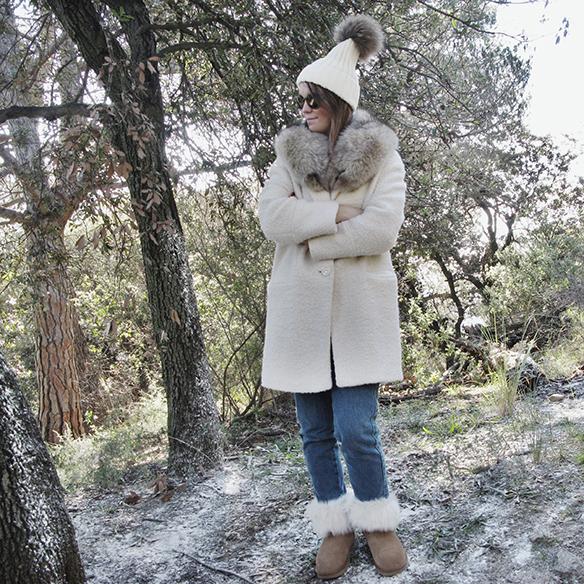 15-colgadas-de-una-percha-carla-kissler-white-teddy-coat-blanco-gorro-cap-estola-pelo-fur-stole-botas-uggs-booties-tretze-sabates-treze-8