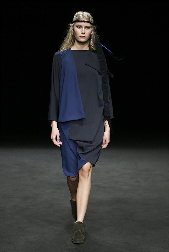 15-colgadas-de-una-percha-las-sorpresas-de-la-080-bcn-fashion-moda-barcelona-desfile-txell-miras-6