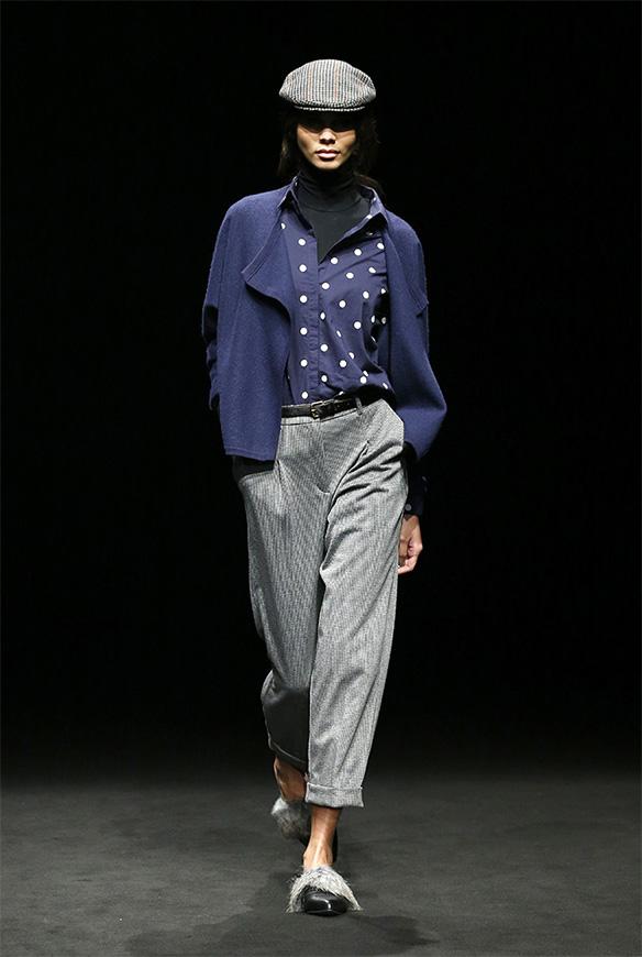 15-colgadas-de-una-percha-las-sorpresas-de-la-080-bcn-fashion-moda-barcelona-desfile-yerse-8