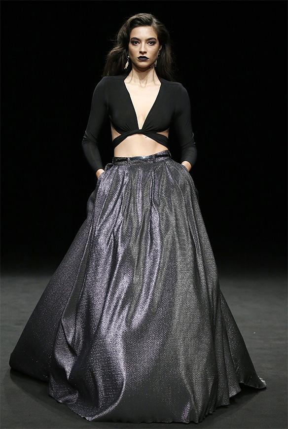 15-colgadas-de-una-percha-las-sorpresas-de-la-080-bcn-fashion-moda-barcelona-desfile-ze-garcia-10