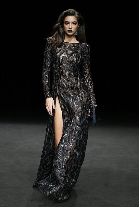 15-colgadas-de-una-percha-las-sorpresas-de-la-080-bcn-fashion-moda-barcelona-desfile-ze-garcia-2