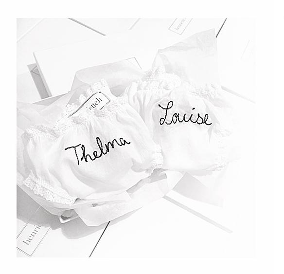 15-colgadas-de-una-percha-san-valentin-lenceria-ropa-interior-lingerie-underwear-saint-valentines-day-henriette-h-2