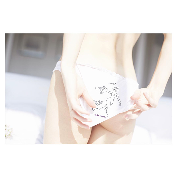 15-colgadas-de-una-percha-san-valentin-lenceria-ropa-interior-lingerie-underwear-saint-valentines-day-henriette-h-4