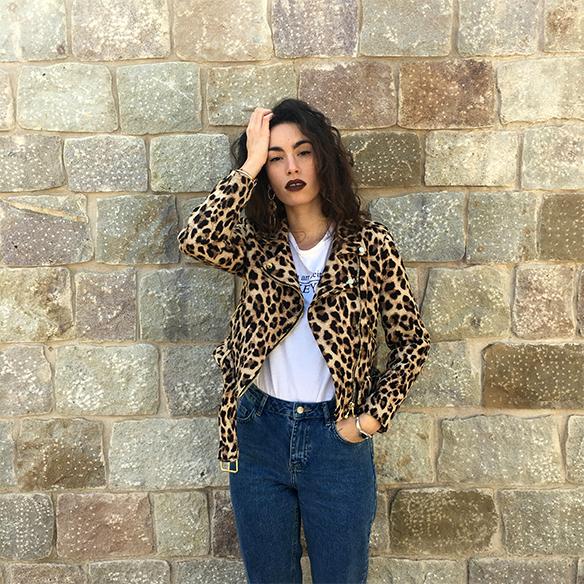 15-colgadas-de-una-percha-blanche-animal-print-leopard-biker-chaqueta-leopardo-abrigo-burdeos-burgundy-coat-mocasines-loafers-4
